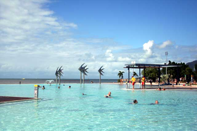 Car Hire Cairns To Airlie Beach