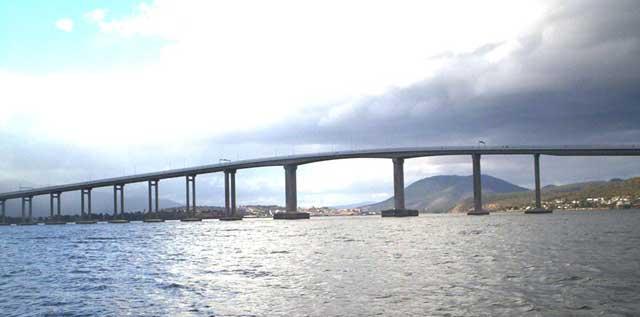 photos of hobart australia bridge over the derwent river. Black Bedroom Furniture Sets. Home Design Ideas